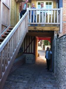 Façade de la venelle côté parking du château