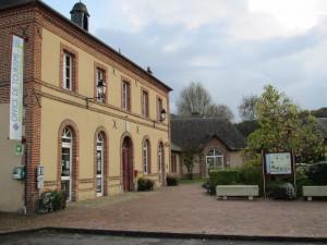 Office de tourisme et défibrillateur cardiaque de Blangy le Château