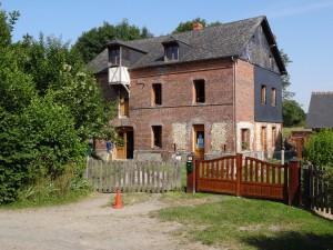 Le Moulin de Blangy le Château, rue de l'église