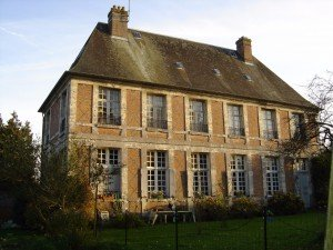 Le manoir de Blangy le Château, façade en brique et pierres de taille