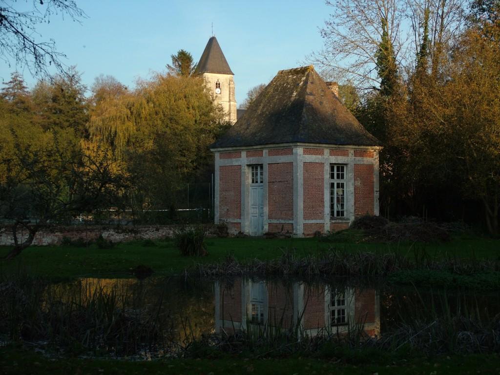 Un des pavillons du manoir de Blangy le Château