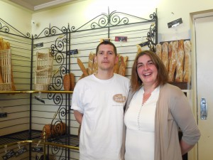 Les nouveaux boulangers de Blangy e Château, Laetitia et Stéphane dans leur magasin