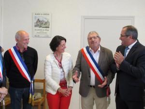 Remise d'écharpe de maire adjoint à Yves Deleuze, à Blangy le Château