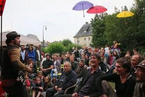Festival du Solo 2015 concert de Molow dans les jardins du Moulin de Blangy le Château