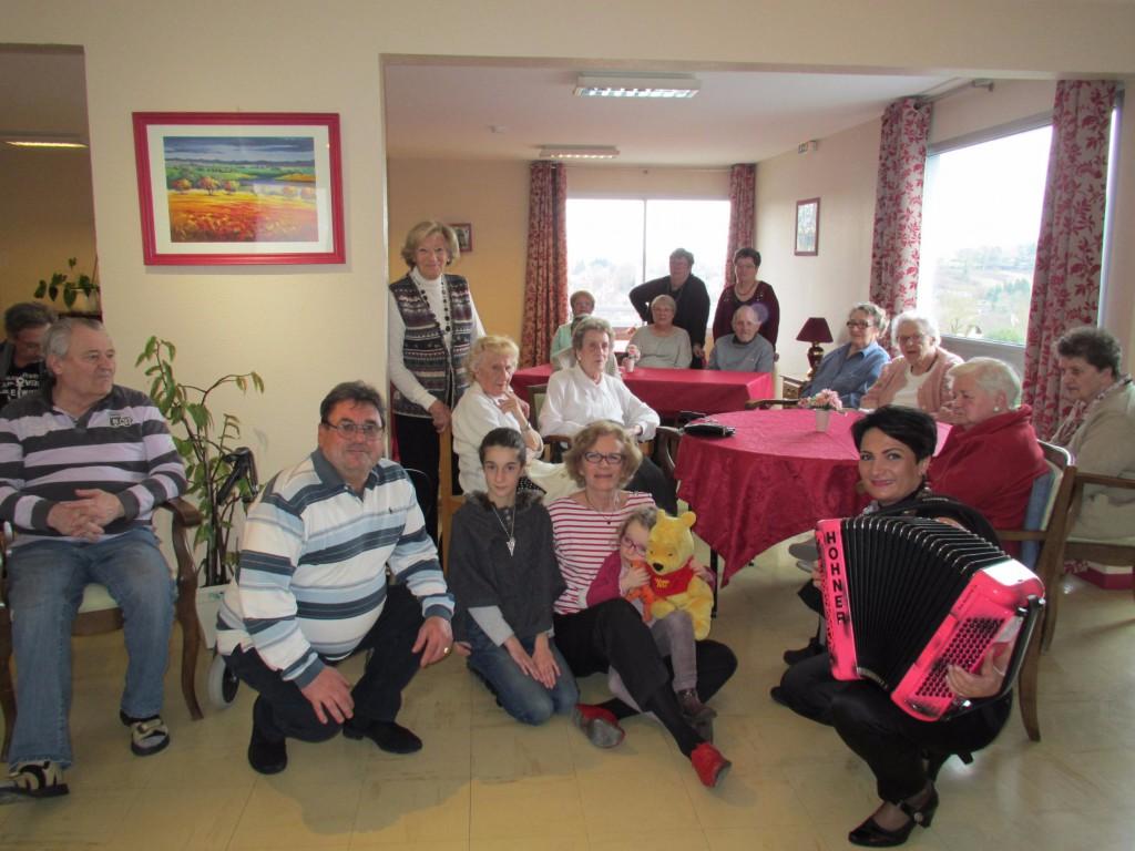 On a fêté les grand-mères à la Résidence les Douets de Blangy le Château